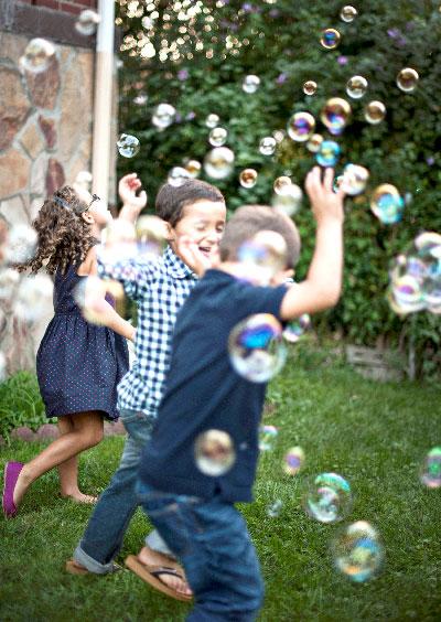 L'été au grand air : bienfaits pour les enfants.  Les bienfaits de l'été et du grand air pour les enfants. activités à l'extérieur